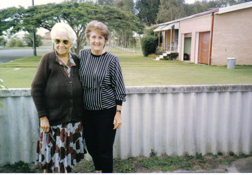 199005-aunt-ruth-and-dawn-knight
