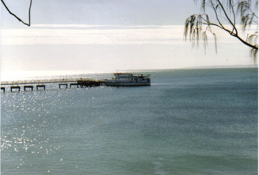 199007-redcliffe-jetty-tangalooma-ferry