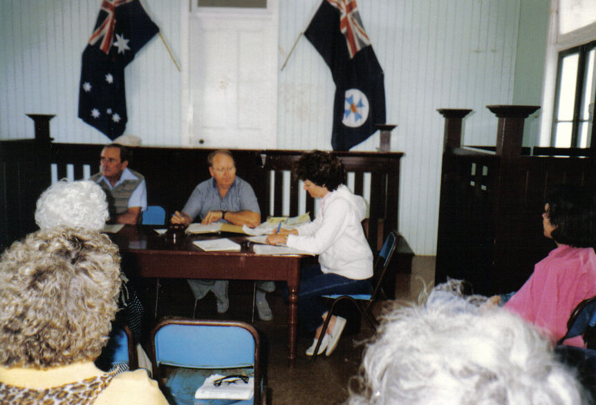199008-chaca-rally-caboonbah-property-court-house-meeting